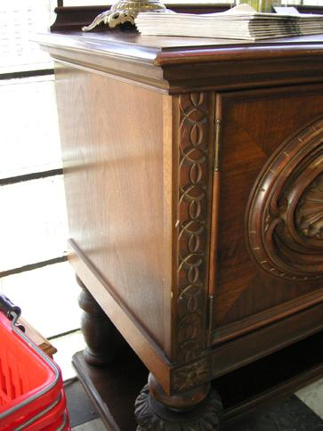 Merveilleux A Circa 1920u0027s Walnut Buffet From H.E. Shaw Furniture Co. Manufacturers  From Grand Rapids,